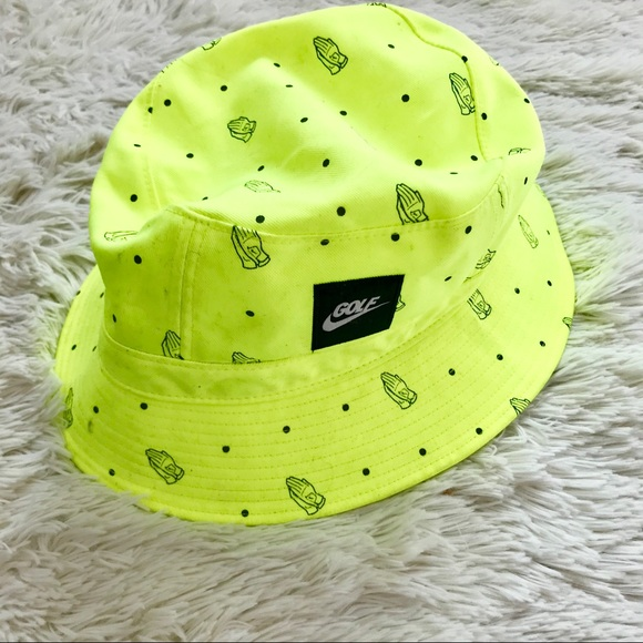 507cad22436 Nike Golf Bucket Hat Green Praying Hands. M 5ab58cb550687cc884c5e9dc